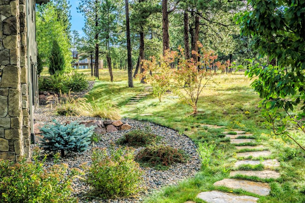 Water smart landscape that blends in beautifully with its surrounding landscape.